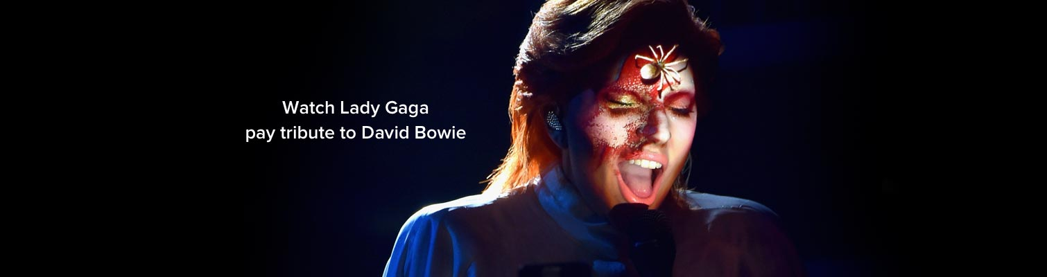 Lady Gaga pays tribute to David Bowie